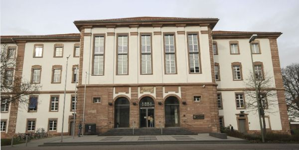 Landgericht Hanau (B)