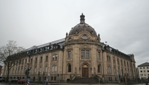 Landgericht Landau (B)